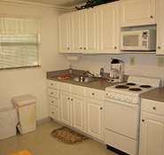 Motel Room b - kitchen